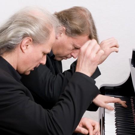 ピアノデュオ・クトロヴァッツ 日本青年館ホールコンサート